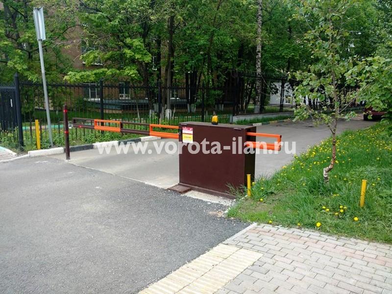 Москва, Ленинский проспект, д.61, шлагбаум антивандальный 1