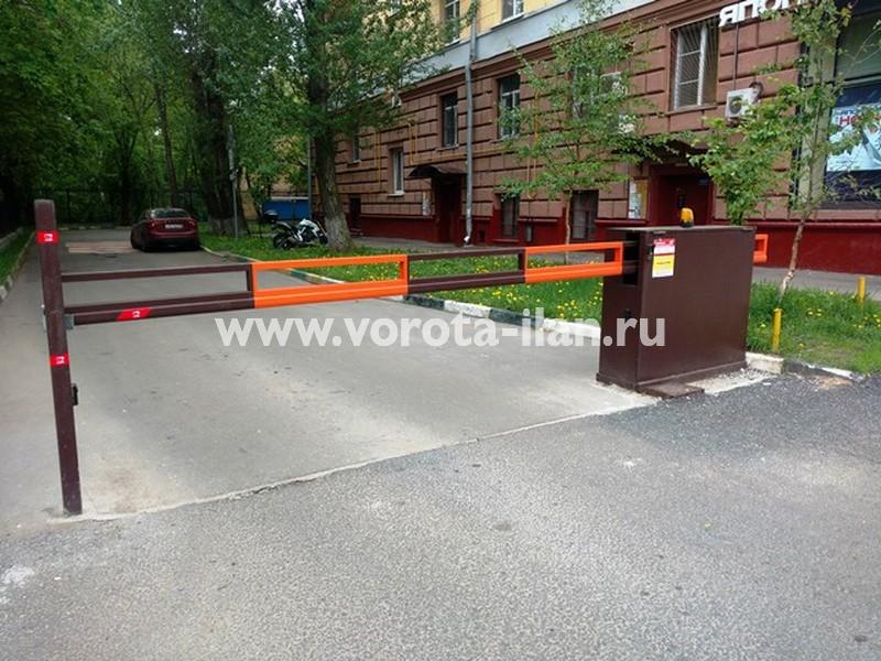 Москва, Ленинский проспект, д.61, шлагбаум антивандальный 2