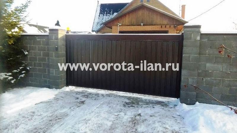 МО_Домодедовский район_откатные ворота с приводом CAME BX 241_установлены в 2004 году_обслужены в 2018 году