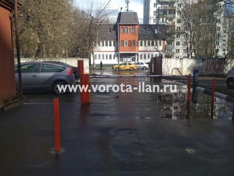 Москва_ул Тайнинская д 7_шлагбаум подъёмный с антивандальным замком и УДП_фото 5