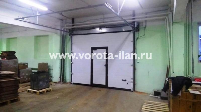 Москва_Щербинская Типография_ворота автоматические промышленные секционные c калиткой_3