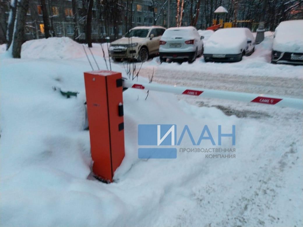 На территории МКД в Москве по адресу ул. Профсоюзная, д. 75 установлены два шлагбаума с повышенной защитой от вандализма — бюджетный вариант Doorhan и итальянский CAME Gard 3750_фото 3