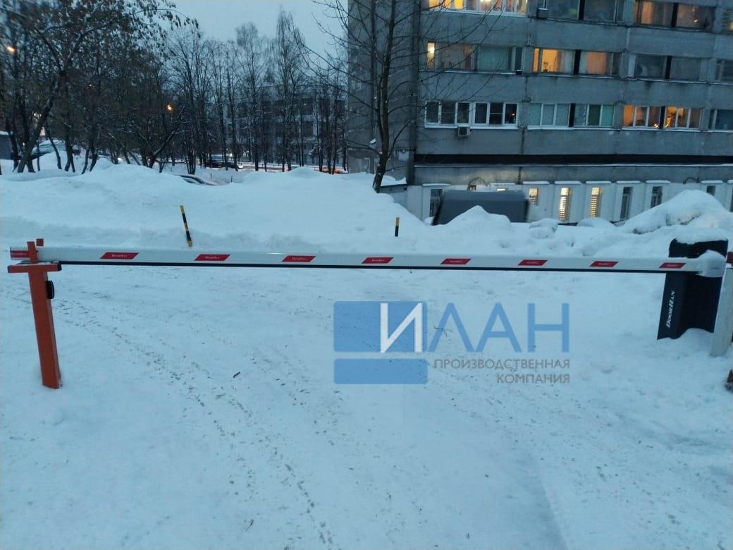 На территории МКД в Москве по адресу ул. Профсоюзная, д. 75 установлены два шлагбаума с повышенной защитой от вандализма — бюджетный вариант Doorhan и итальянский CAME Gard 3750_фото 4