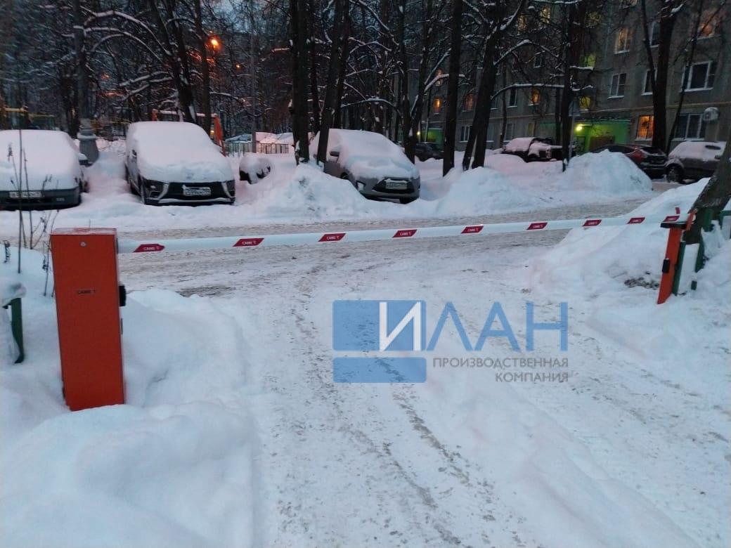 На территории МКД в Москве по адресу ул. Профсоюзная, д. 75 установлены два шлагбаума с повышенной защитой от вандализма — бюджетный вариант Doorhan и итальянский CAME Gard 3750_фото 5