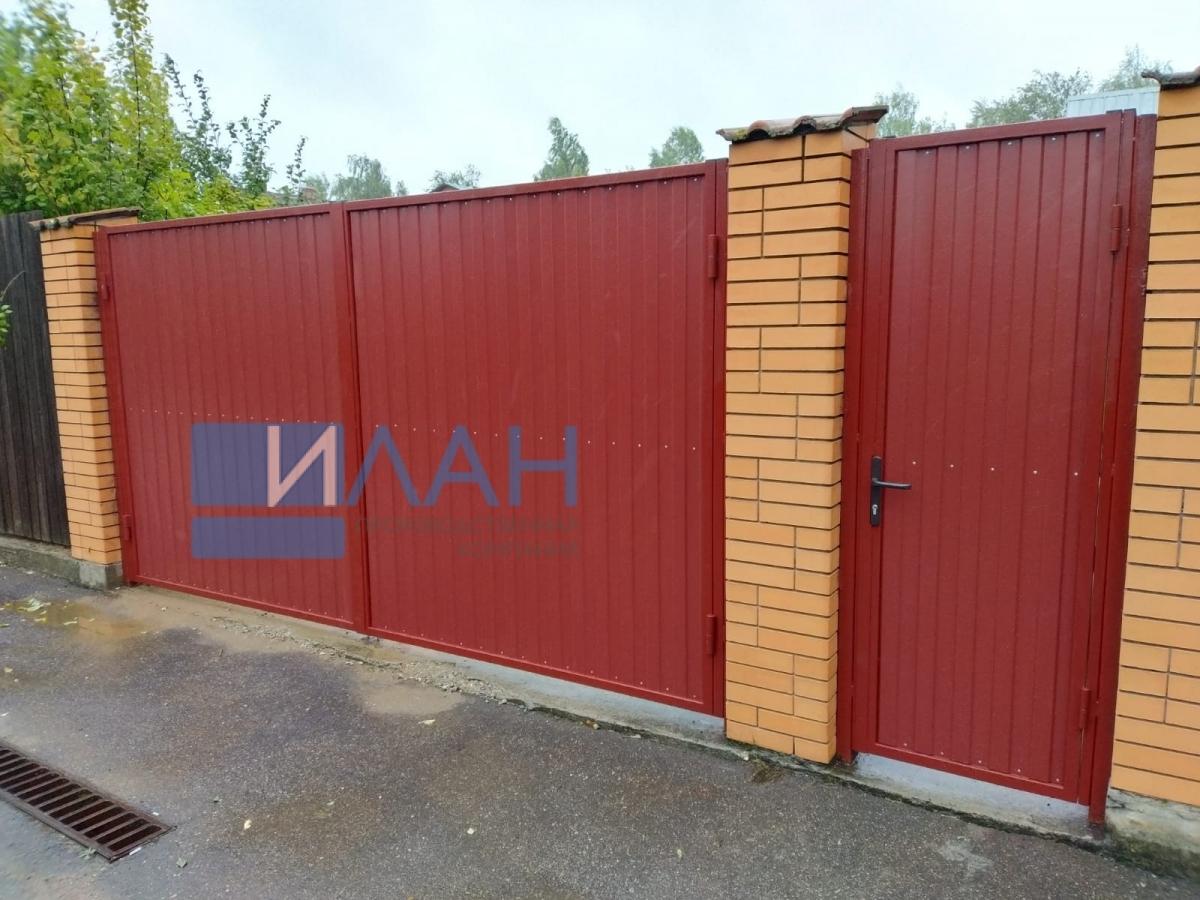 Распашные ворота в СНТ Гавриково-1, установленные на въезде в частное домовладение. Заказчик обратился по рекомендации соседа, у которого ворота, установленные ПК ИЛАН, работают уже 10 лет_фото 2
