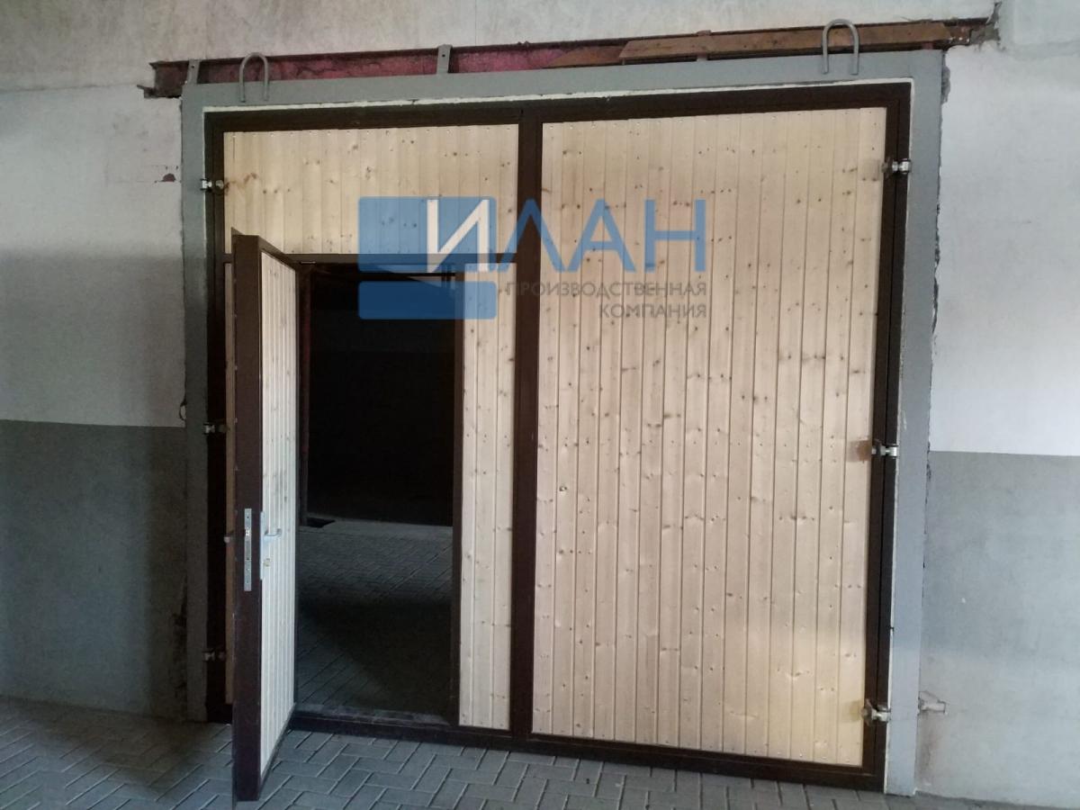 Утеплённые распашные ворота, индивидуальная конструкция по согласованию с заказчиком для конюшен в Остафьево_фото 1