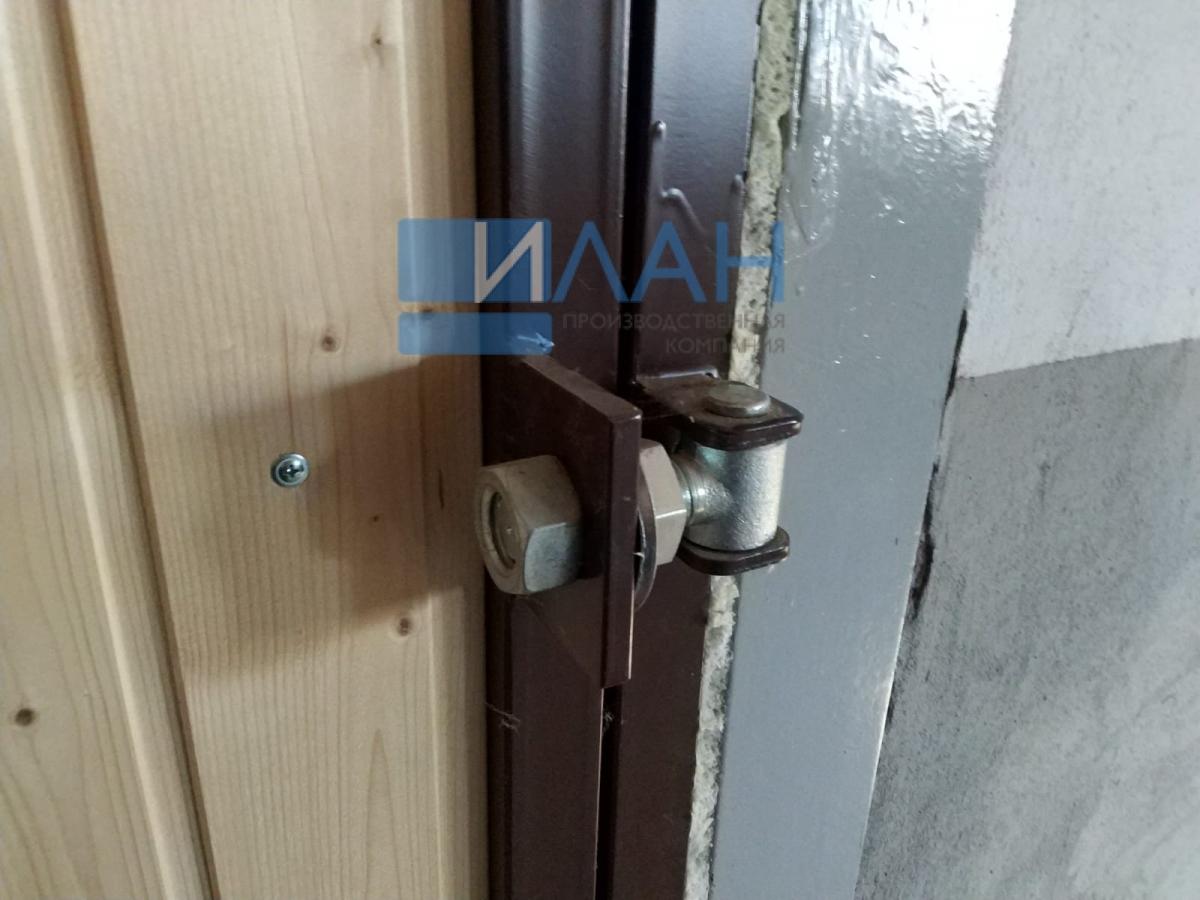 Утеплённые распашные ворота, индивидуальная конструкция по согласованию с заказчиком для конюшен в Остафьево_фото 2