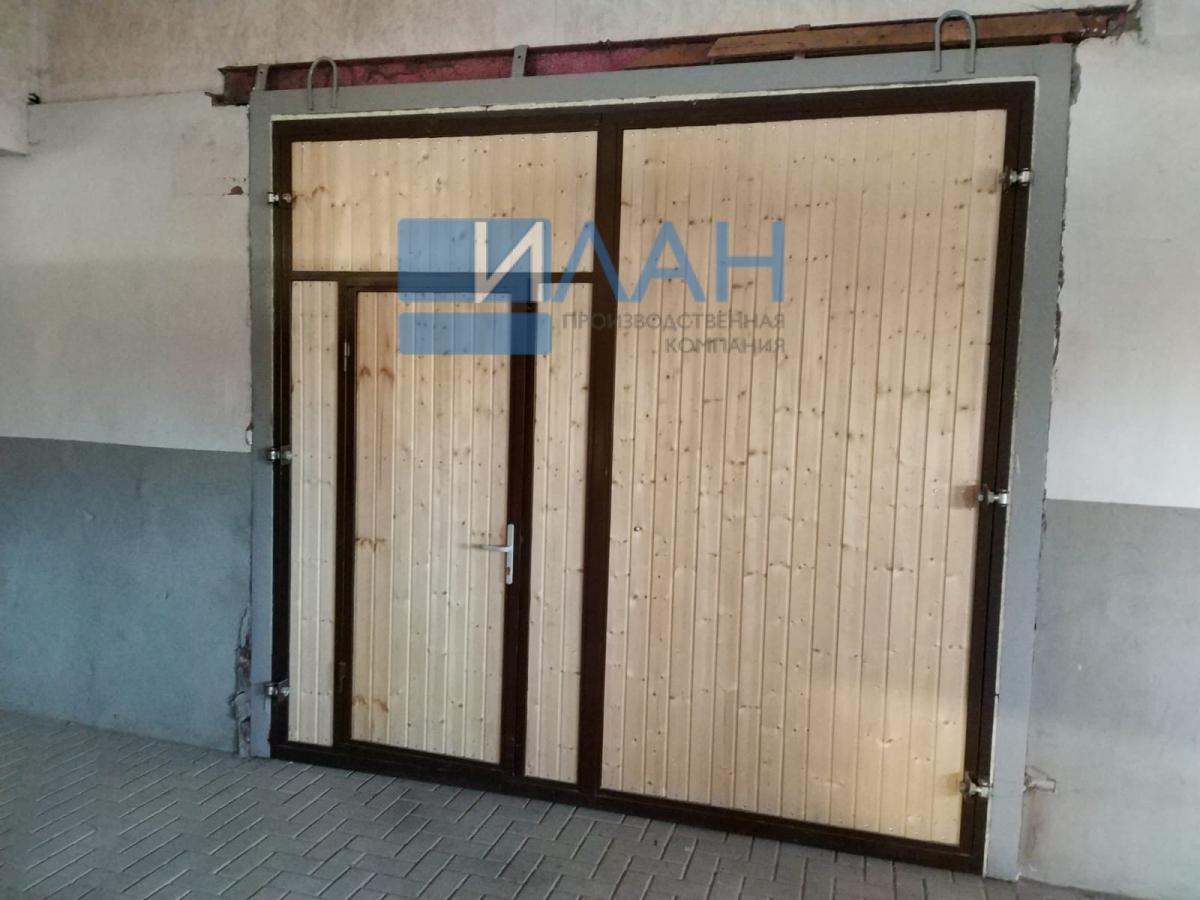 Утеплённые распашные ворота, индивидуальная конструкция по согласованию с заказчиком для конюшен в Остафьево_фото 3