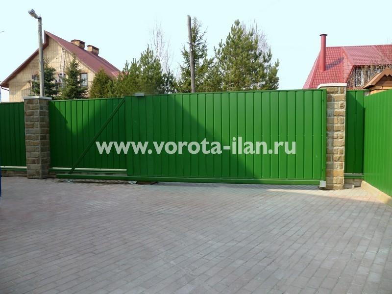 Ворота откатные зелёные