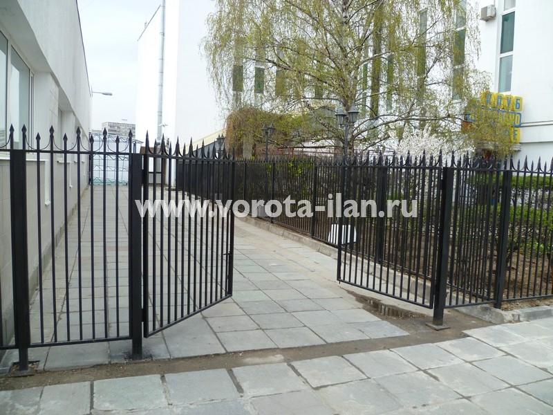 Ворота распашные_Москва_фото 1