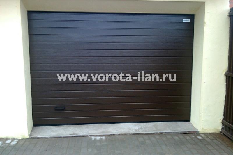 Ворота секционные гаражные_тёмные