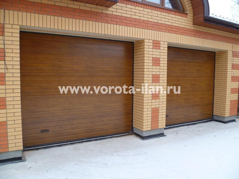 Ворота секционные гаражные_кирпичный гараж_фото 2