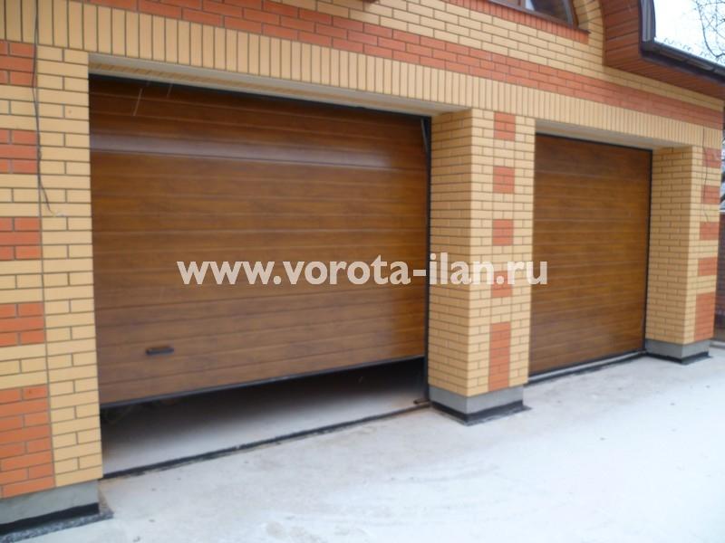 Ворота секционные гаражные_кирпичный гараж_фото 1