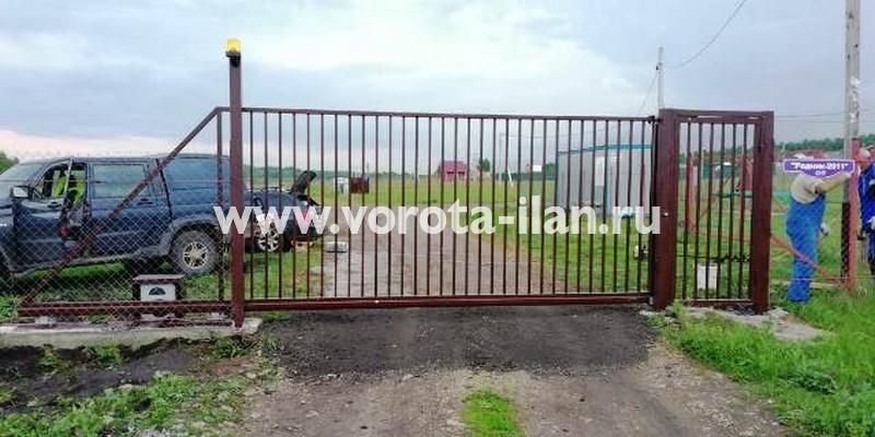 Откатные ворота с калиткой для СНТ